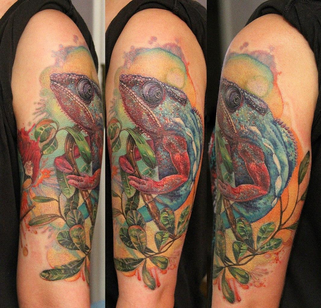 Хамелеон на руке фото татуировки