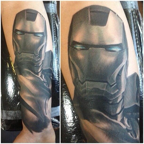 фото татуировки Железный человек на руке