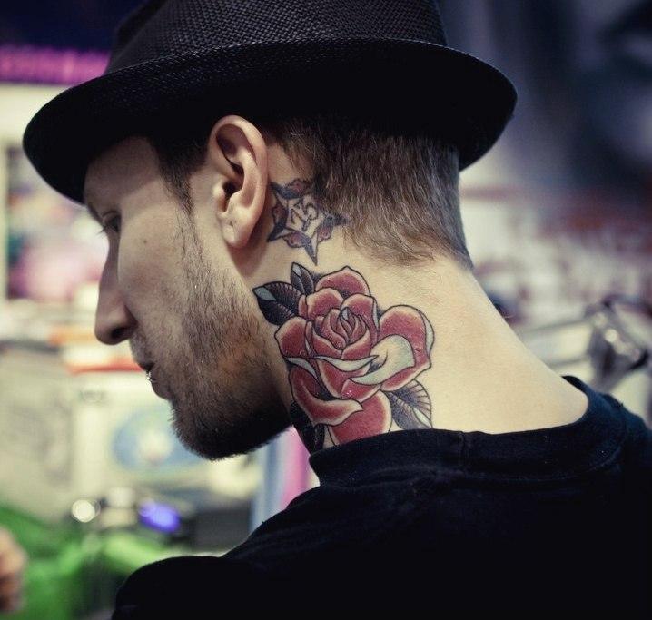 фото татуировок роз на шее (2)