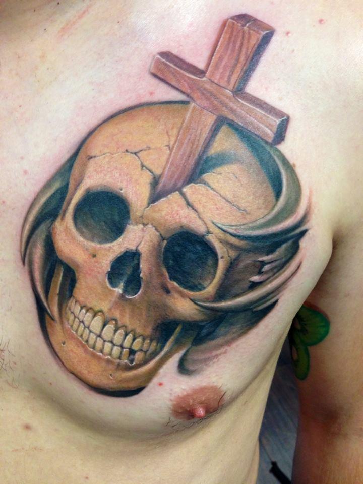 фото религиозная тату: крест и череп